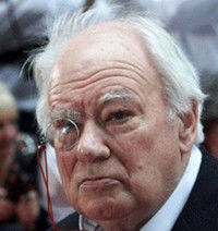 Patrick MOORE 4 mars 1923 - 9 décembre 2012