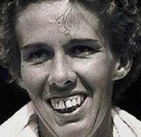 Doris Hart 20 juin 1925 - 29 mai 2015