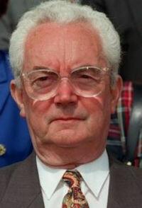 Jean-Marie Girault 9 février 1926 - 1 mai 2016